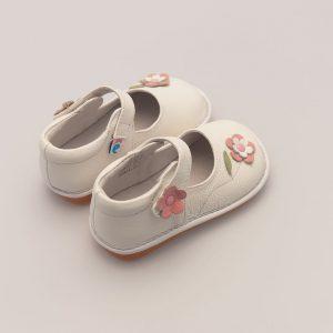 Nette babyschoen met vrolijke bloemen